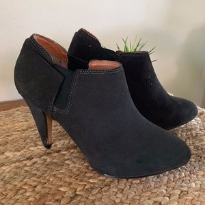 DV by Dolce Vita Black Heeled Ankle Booties 7.5